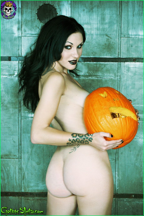 gothicsluts halloween pumpkin ass