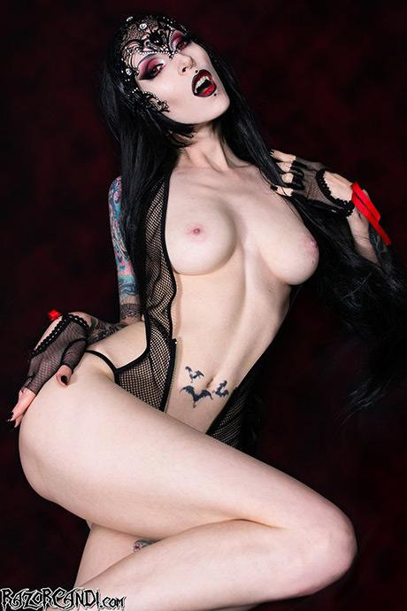 razorcandi-vampire-halloween-15